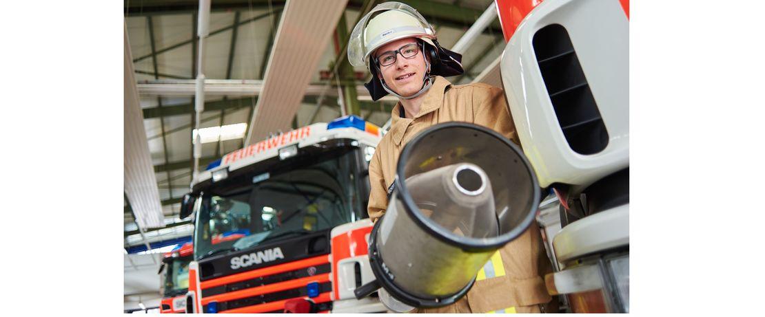 Evonik betreibt im Industriepark Wolfgang (IPW) eine eigene Werkfeuerwehr. Im Notfall sind die Feuerwehrleute in weniger als fünf Minuten an jeder Stelle im Standort.