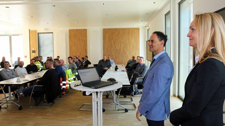 """Für Ivo Franz, Beauftragter fürs Partnerfirmen-Management, ist Arbeitssicherheit ganz klar eine Kulturfrage - """"und unsere Antwort darauf muss sein, auch das Bewusstsein unserer Partnerunternehmen zu schärfen."""""""